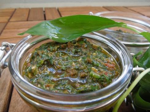 Bärlauch-Tomaten-Pesto