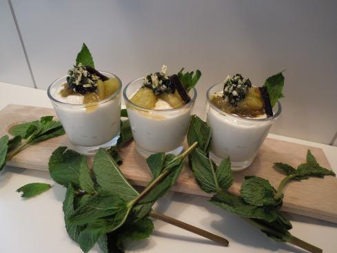 Buttermilchcrème mit süssem Pesto