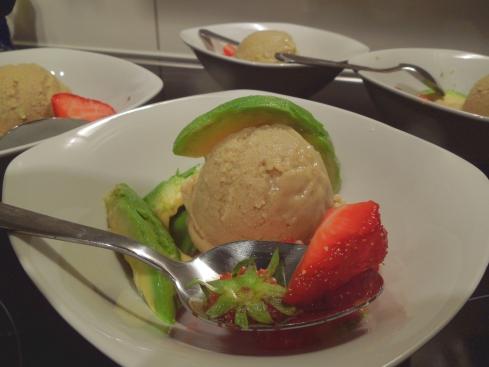 Avocado-Erdbeer-Eis