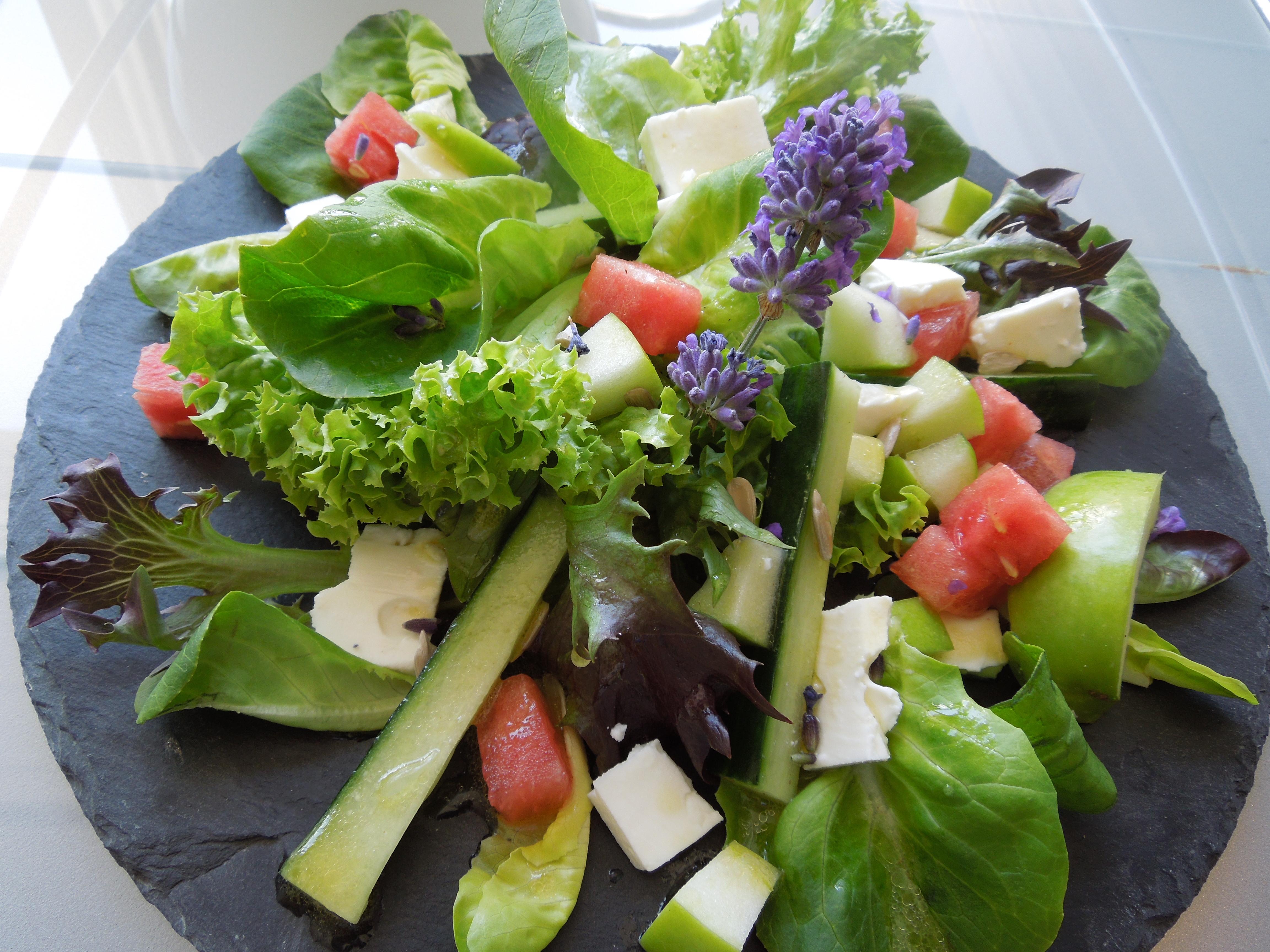 sommer macht pause salat mit wassermelone und feta. Black Bedroom Furniture Sets. Home Design Ideas